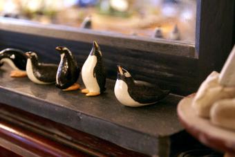 ペンギン置物(ジェンツーペンギン)