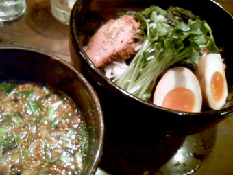 つけ麺(平打ち麺熱盛)